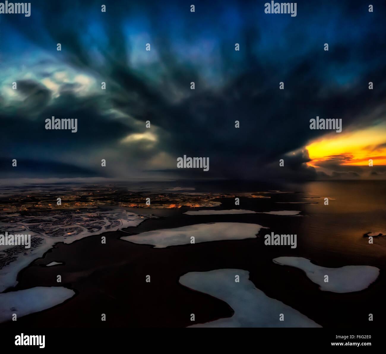 Dramatische Himmel über Reykjavik, Island Digital Composite. Stockfoto