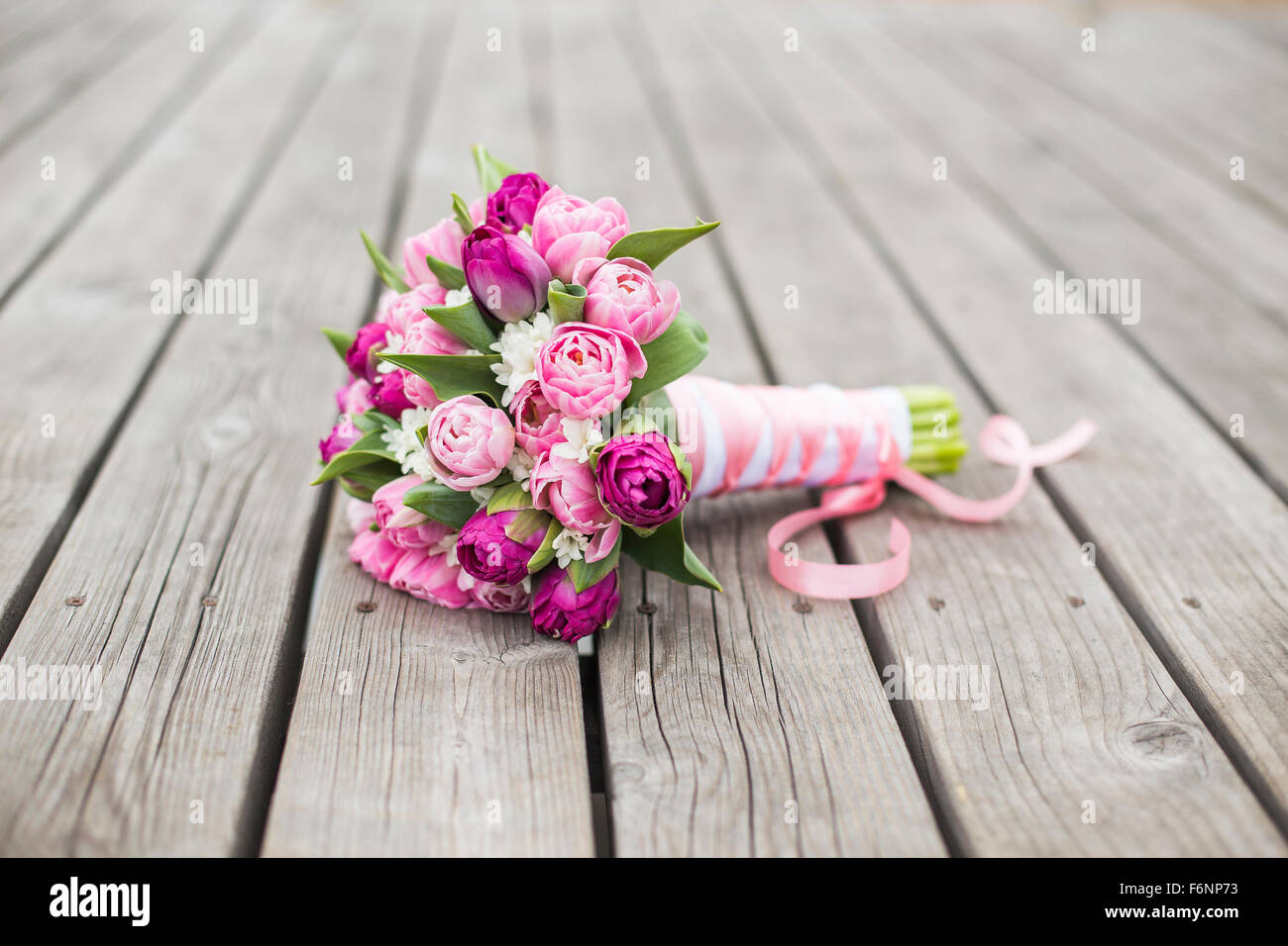 Tulpen Brautstrauss Fur Die Hochzeit Stockfoto Bild 90218215 Alamy