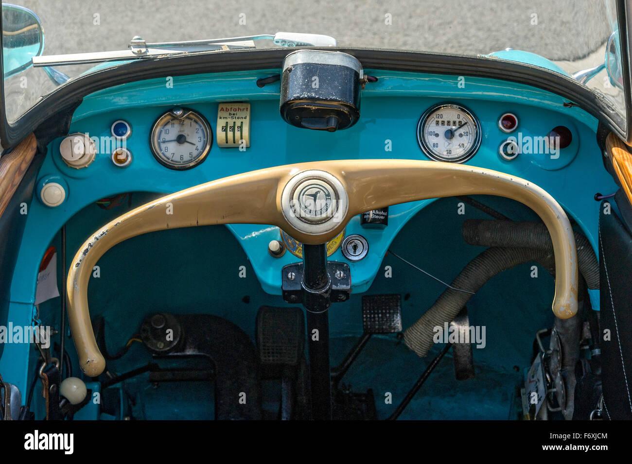 Armaturenbrett oldtimer  Oldtimer-Treffen, Oldtimer Messerschmitt KR 200, Baujahr 1955-1964 ...