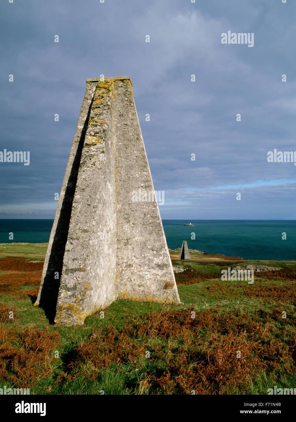 Die weißen Damen und West Maus Meer markiert, Carmel Kopf, Anglesey, North Wales, UK Stockbild