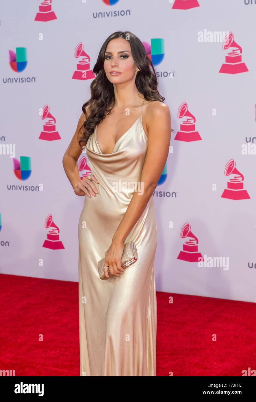 Schauspielerin Genesis Rodriguez besucht 16. Annual Latin GRAMMY Awards im MGM Grand Arena in Las Vegas Stockbild