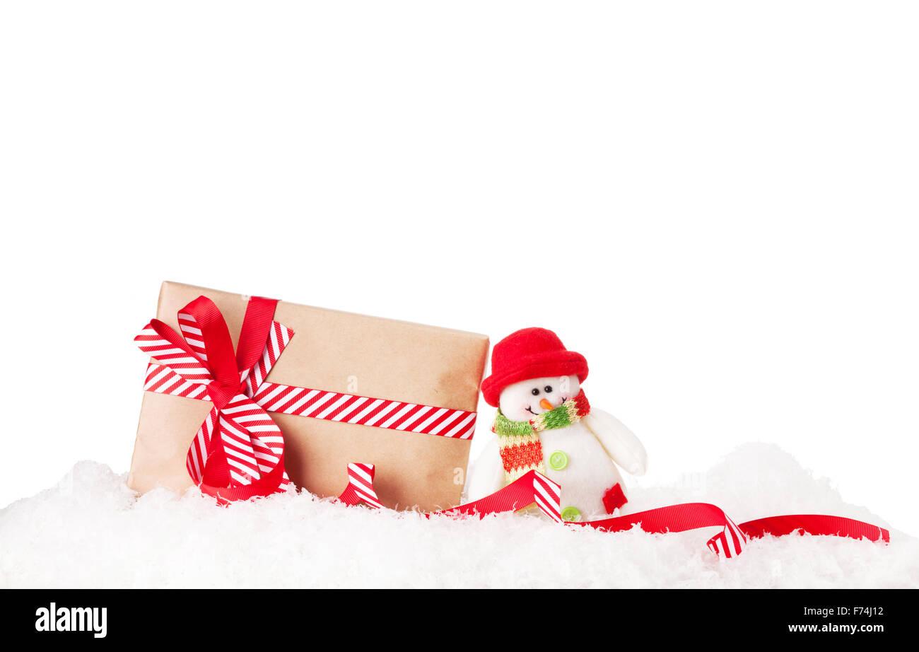 Weihnachten Geschenk-Box und Schneemann Spielzeug im Schnee ...