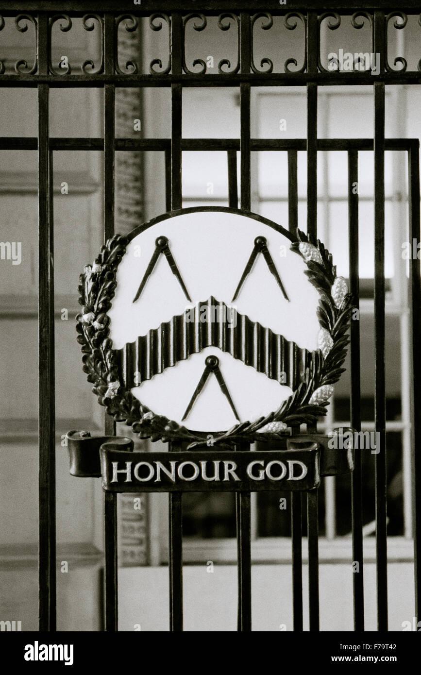 Freimaurer-Symbol in der City Of London in England in Großbritannien im Vereinigten Königreich Großbritannien. Stockbild