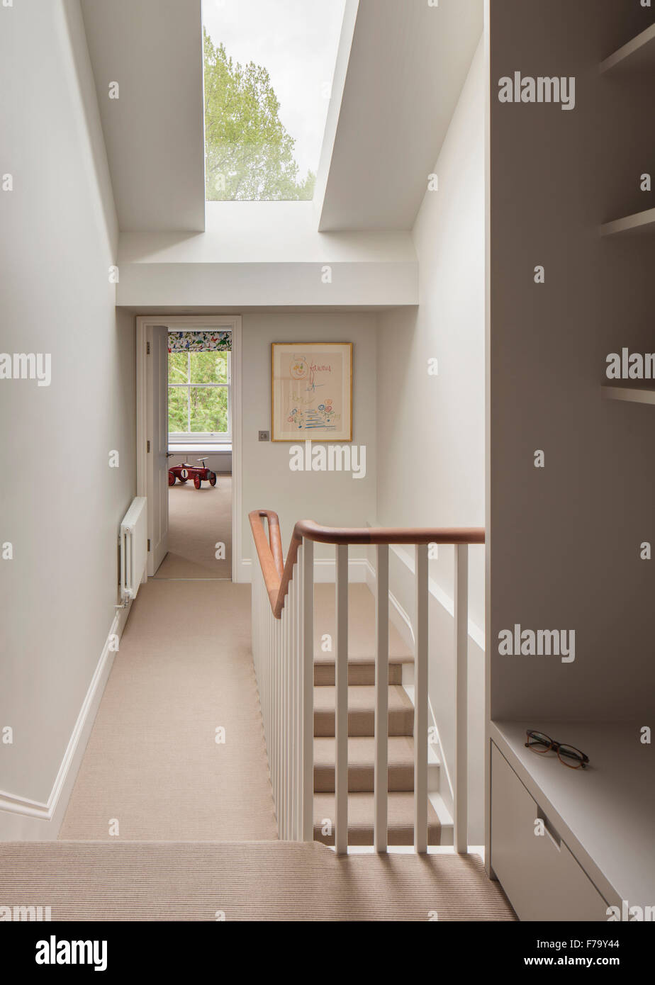 Modernes treppenhaus einfamilienhaus  Flur und Treppe in modernes Einfamilienhaus, London 2012, design ...