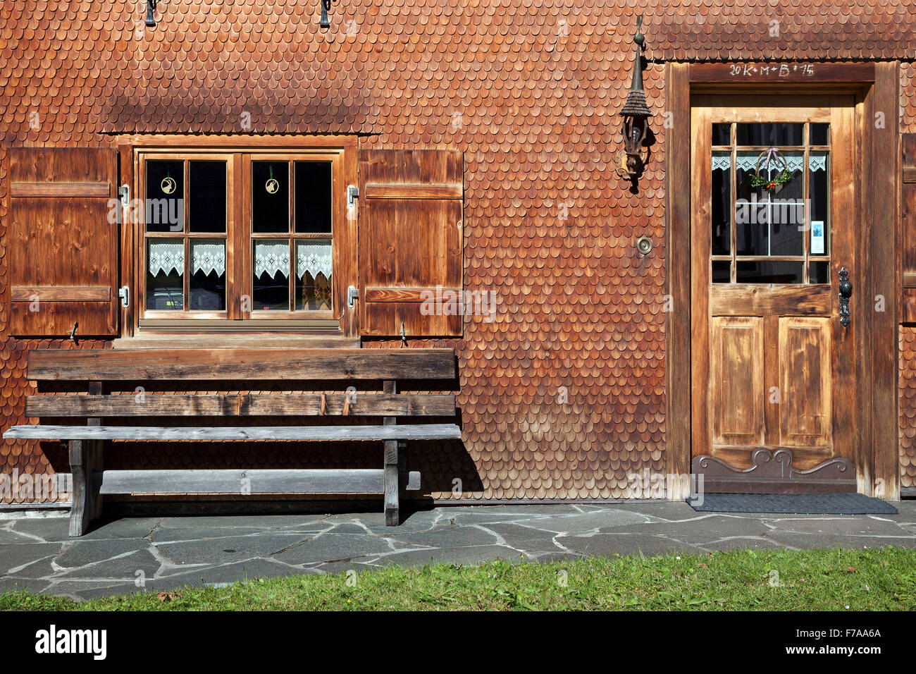 shingle facade stockfotos shingle facade bilder alamy. Black Bedroom Furniture Sets. Home Design Ideas