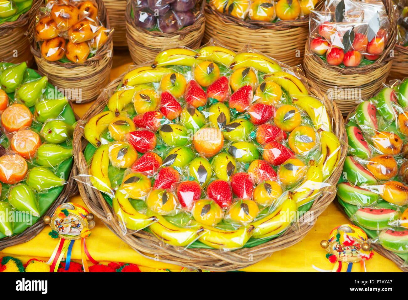 Typisch sizilianische Marzipan Obst (Frutta Martorana), Syrakus (Siracusa), Sizilien, Italien Stockbild