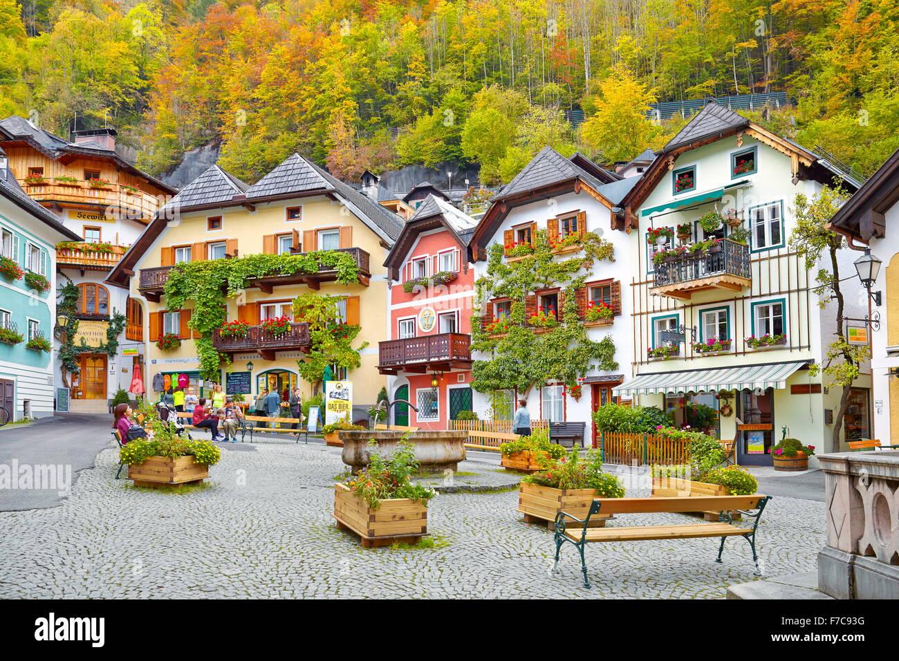 Bunte Häuser, Dorf Hallstatt, Salzkammergut, Österreich Stockbild
