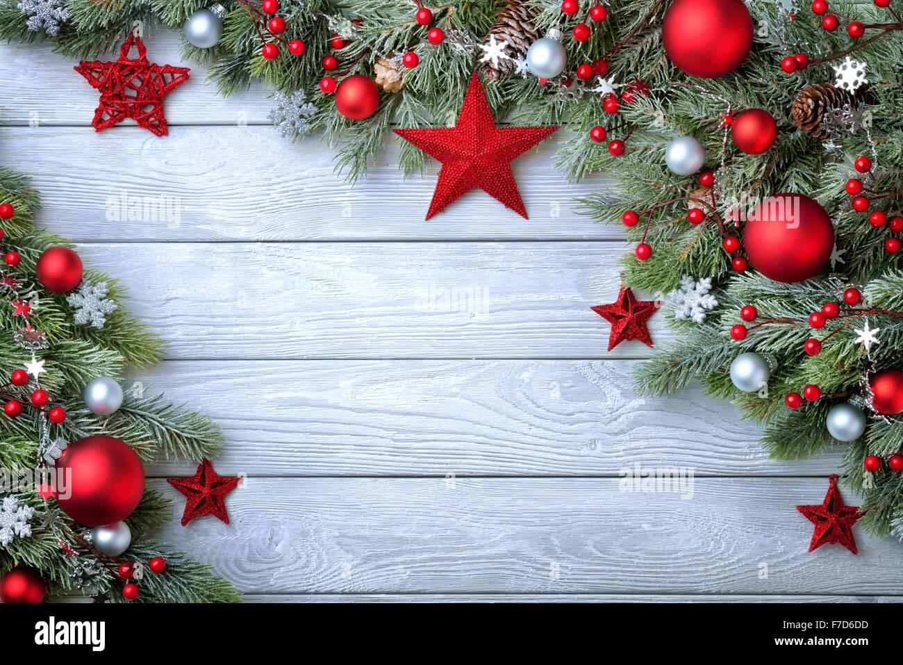 Advent arrangement mistletoe christmas baubles stockfotos for Weihnachten modern