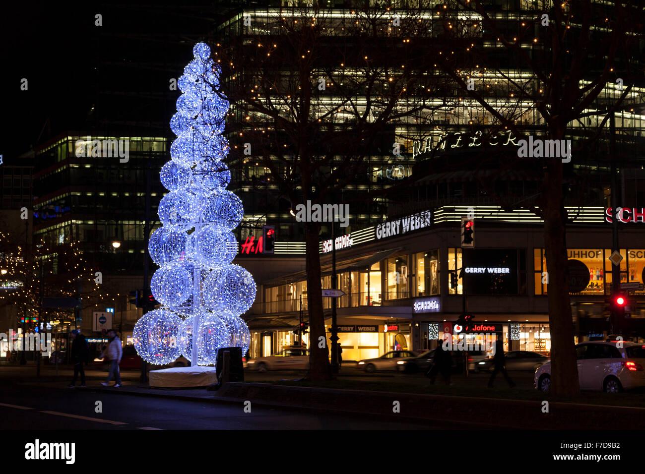 Weihnachtsbeleuchtung Kurfürstendamm.Weihnachtsbeleuchtung Am Kurfürstendamm In Berlin Deutschland
