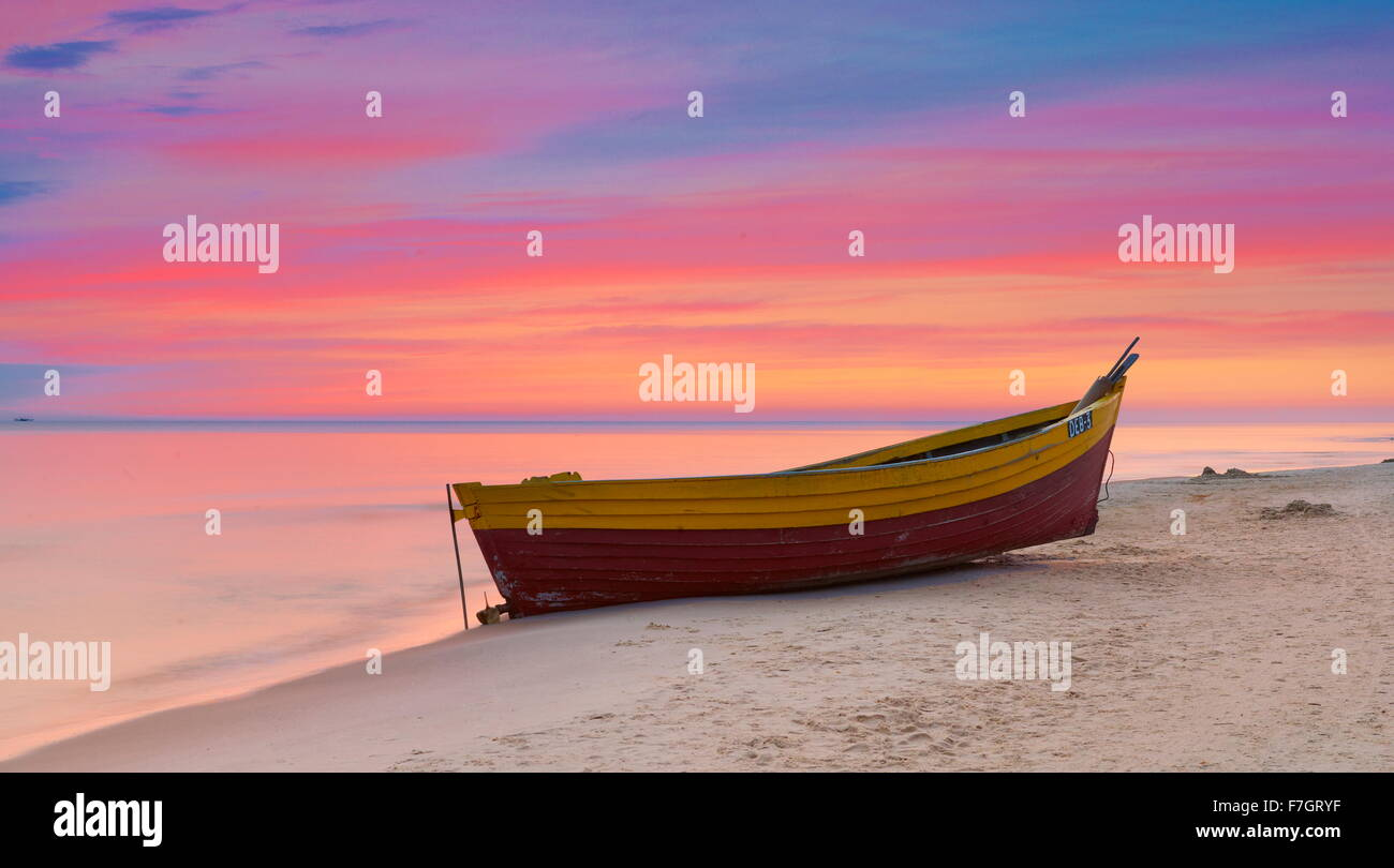 Sonnenuntergangszeit Landschaft, romantische Szene, Ostsee, Polen Stockbild