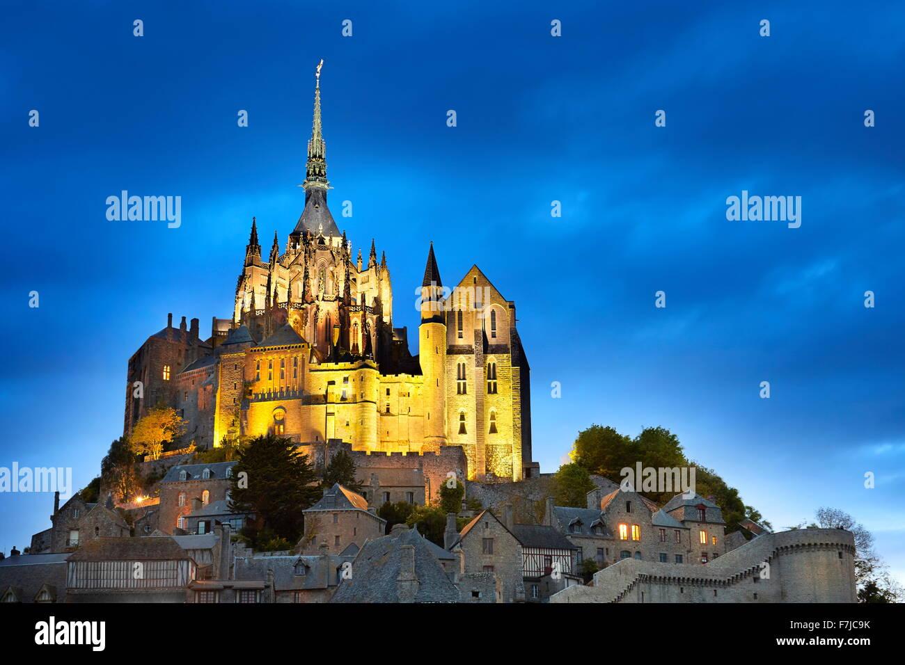 Mont Saint Michel am Abend, Normandie, Frankreich Stockfoto