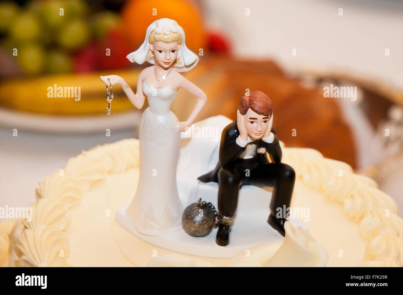 Hochzeitstorte Topper Lustig Braut Halt Die Schlussel Der Den Ball