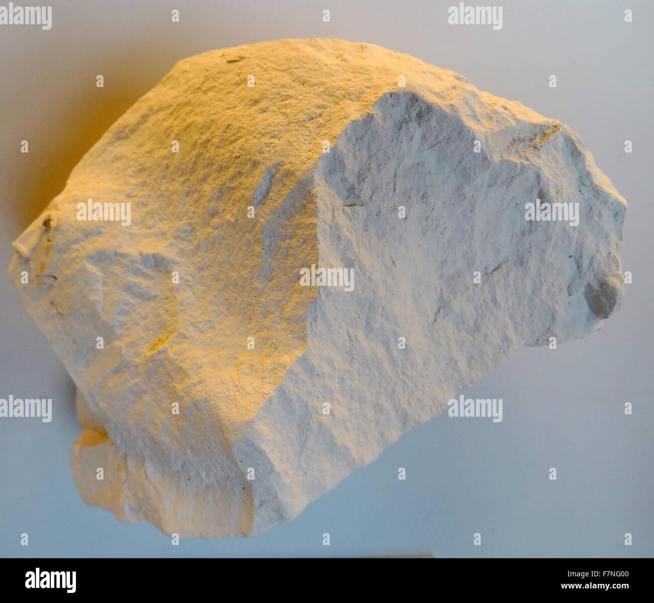 Datierung von Gesteinen und MineralienDose Medaillon-Porzellan