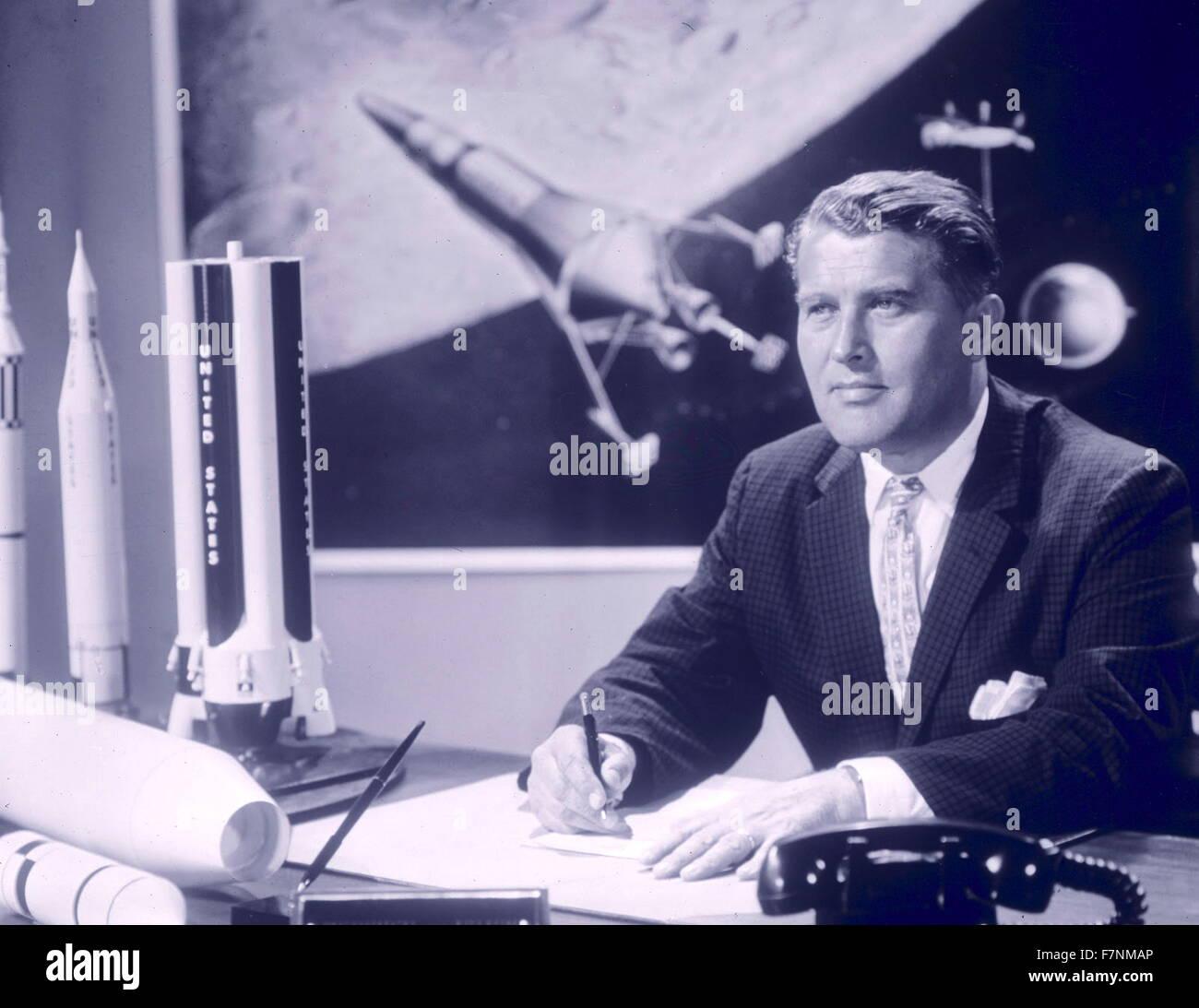 """Werner von Braun (1912 – 1977) deutschen später (amerikanischen) Raumfahrt-Ingenieur mit der Erfindung der V2-Rakete und der Saturn-V, für Nazi-Deutschland und den Vereinigten Staaten, bzw. gutgeschrieben. führende Persönlichkeit in der Entwicklung der Raketentechnik in WWII, Deutschland und den Vereinigten Staaten. von der NASA als """"Vater der Raketenwissenschaft"""". Stockfoto"""
