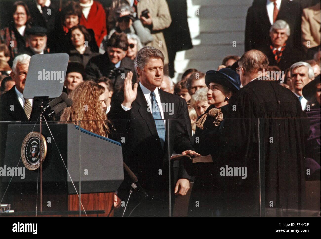 US-Präsident Bill Clinton, unter den Amtseid, 1993 Stockbild