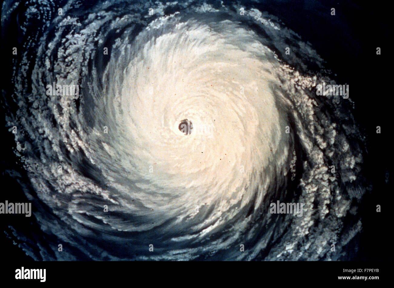 Künstlerische Darstellung einer Satelliten-Ansicht eines Hurrikans Stockbild