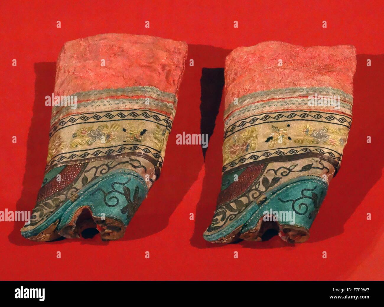 schuhe f r frauen deren f e gebunden wurden chinesisch. Black Bedroom Furniture Sets. Home Design Ideas