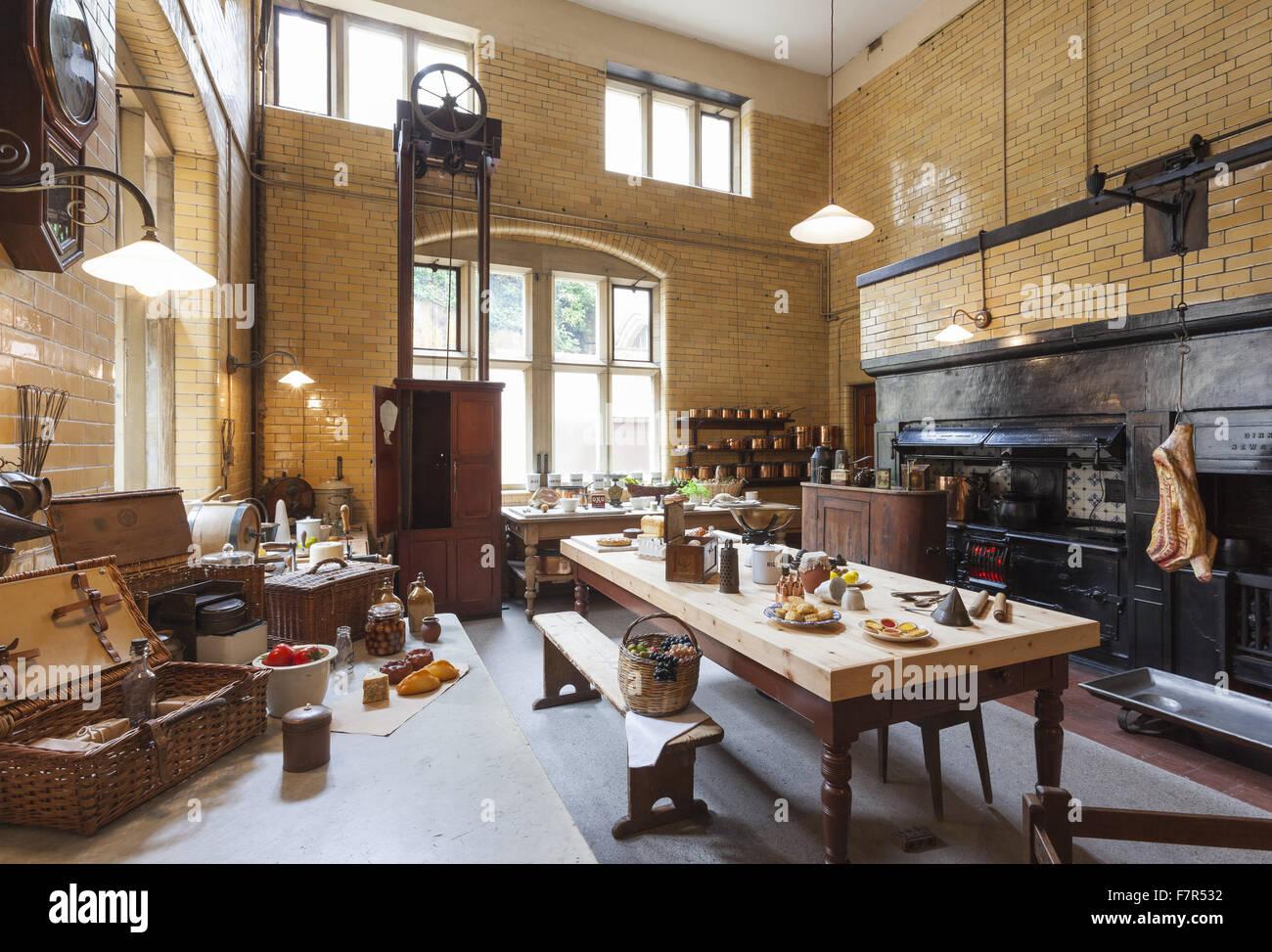 Die Küche im Cragside, Northumberland. Das Haus, eines der ...