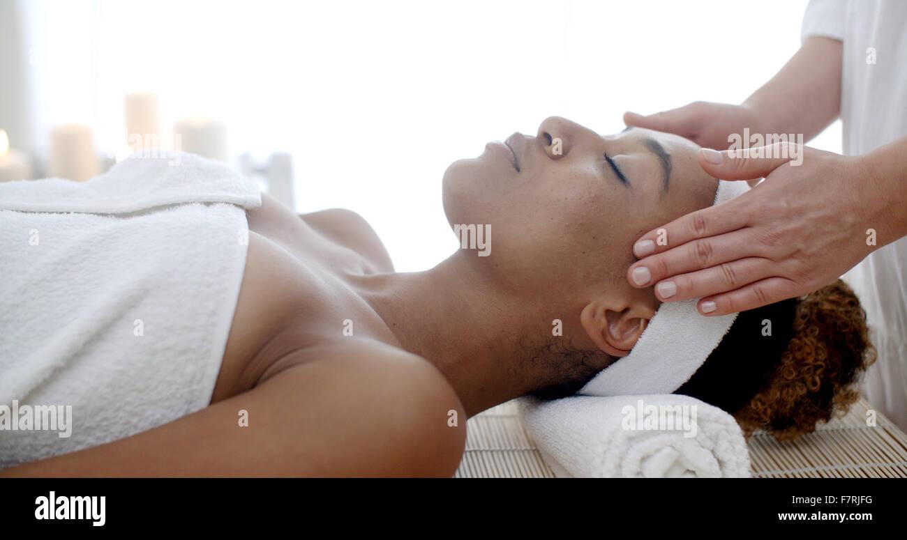 Kosmetische Behandlung auf die Kur Stockbild