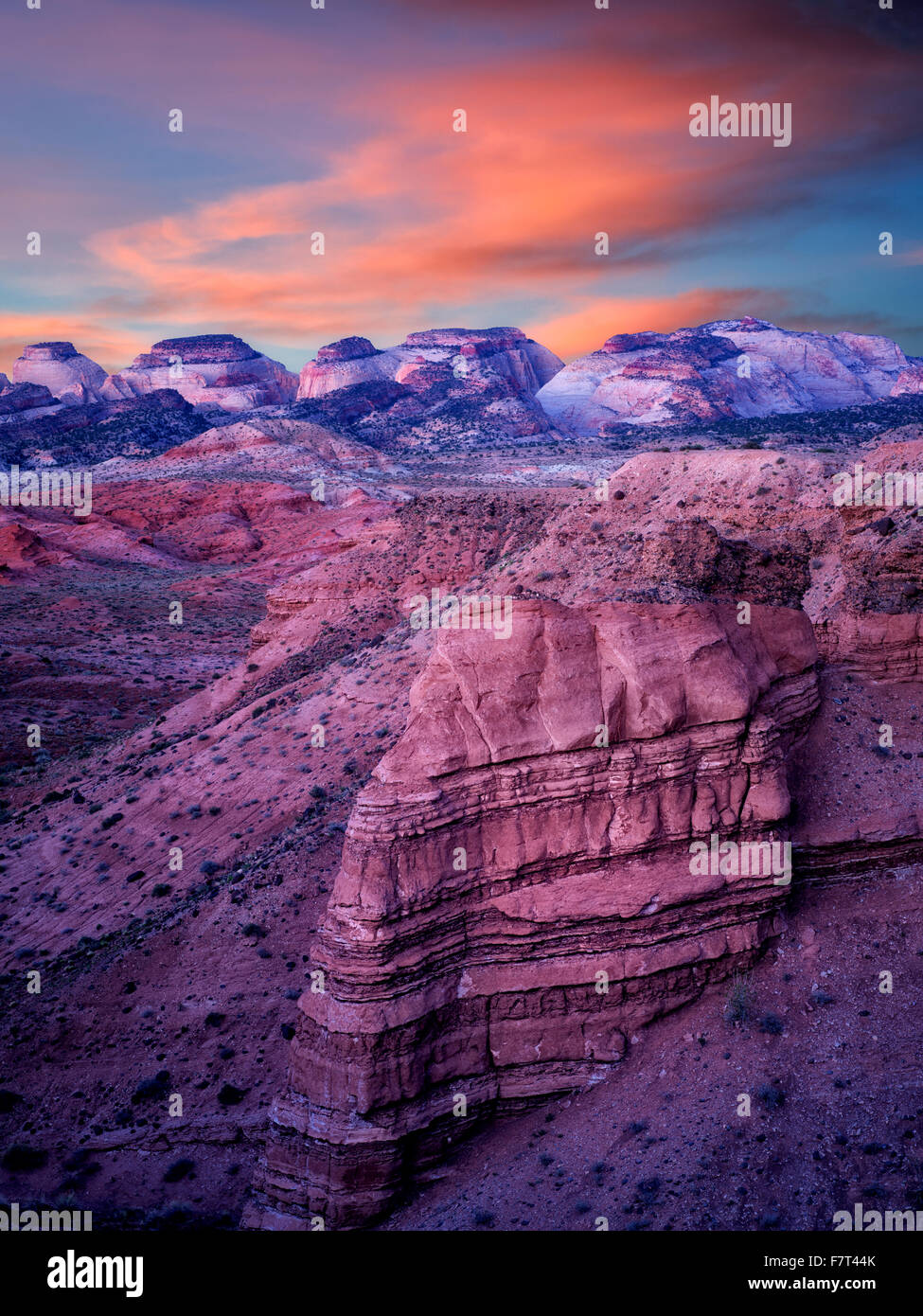Sonnenaufgang auf der Hartnet Süd Wüste Waterpocket Fold. Capitol Reef National Park, Utah Stockbild