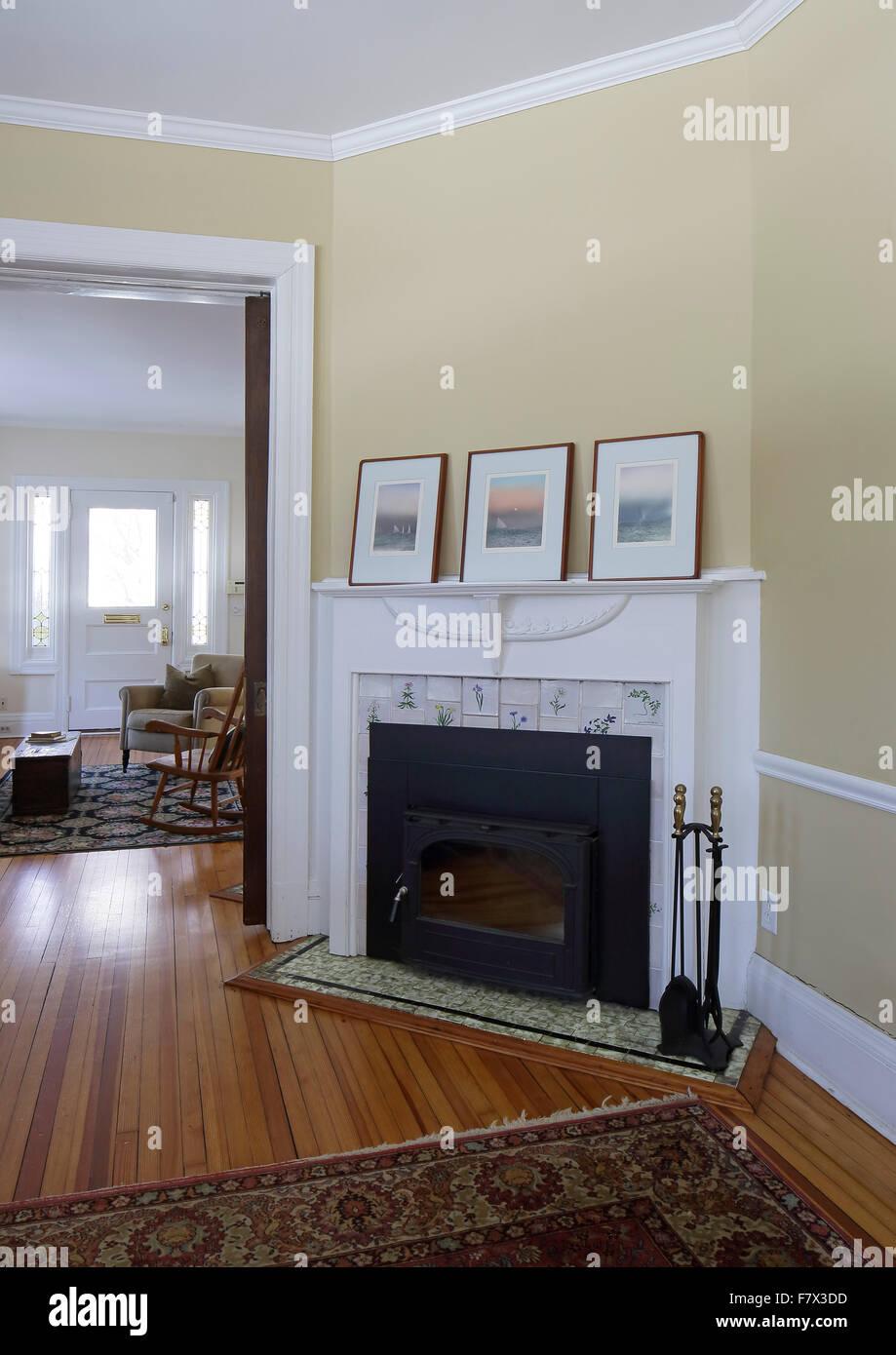 Familienzimmer kamin mit blick auf rezeption zimmer for Wohnzimmer queen