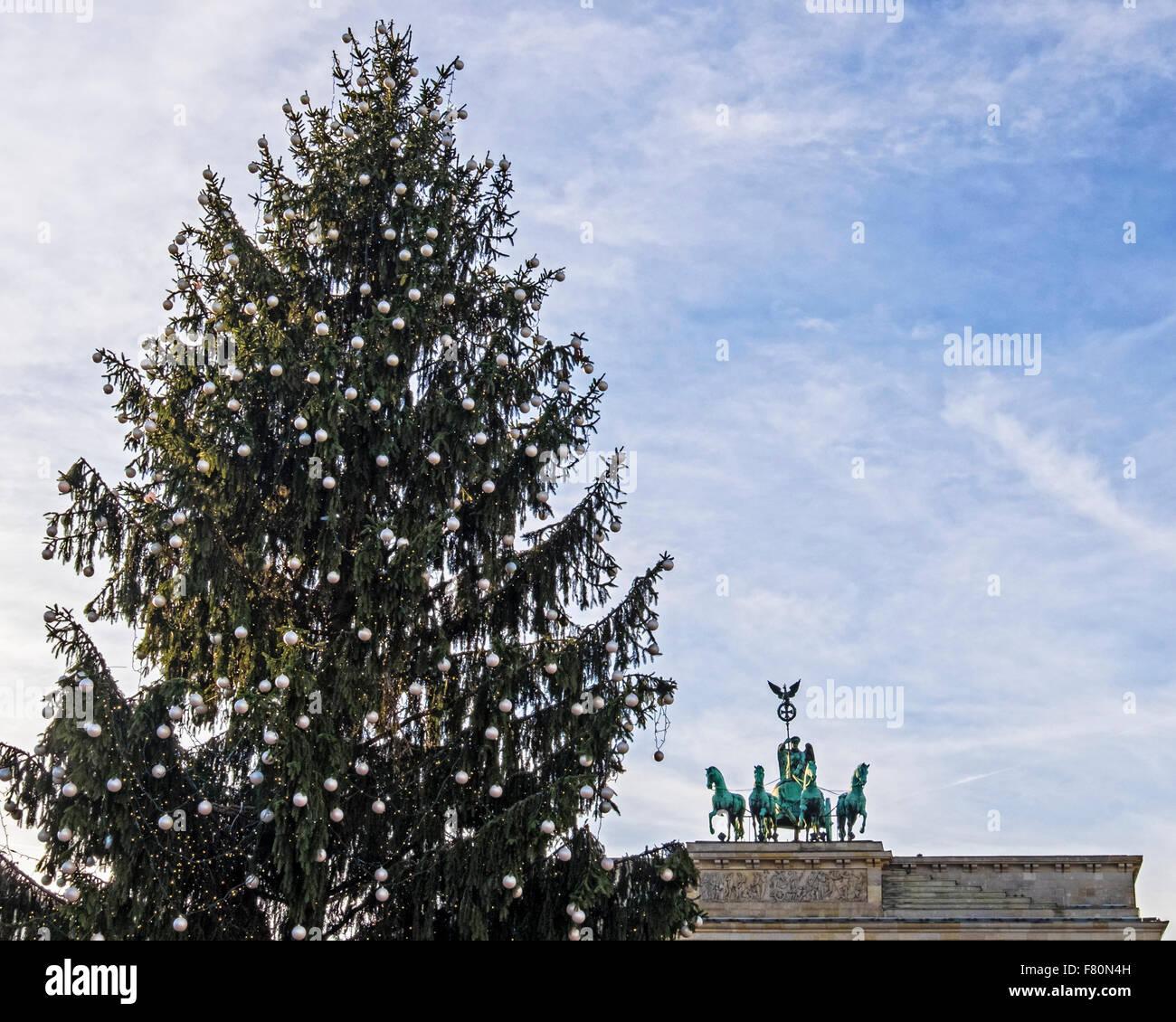 Pariser Platz, Berlin, Deutschland, 3. Dezember 2015. Ein ...