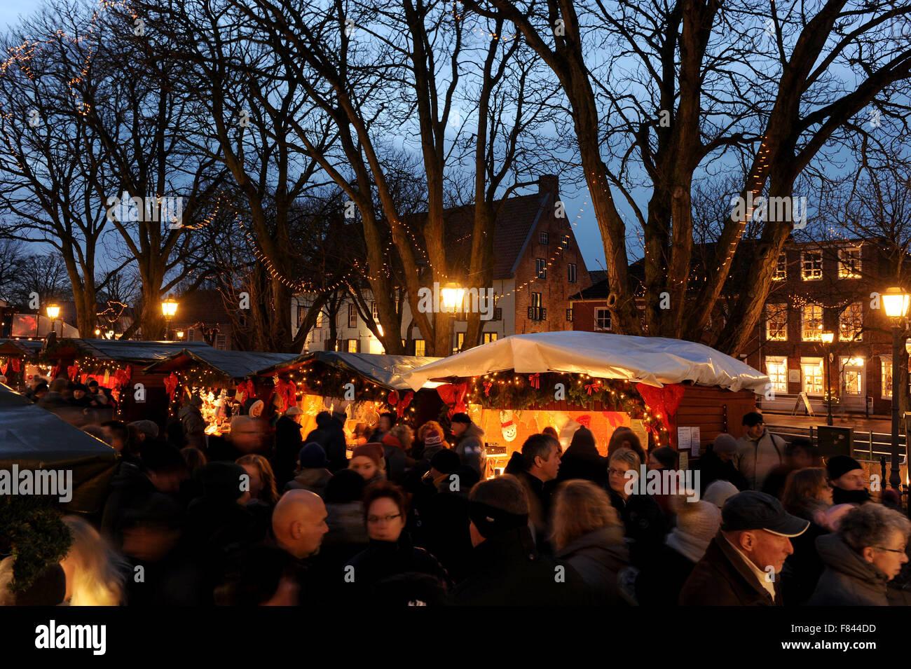 Weihnachtsmarkt Greetsiel.Greetsiel Germany 5th Dec 2015 Stockfotos Greetsiel Germany 5th