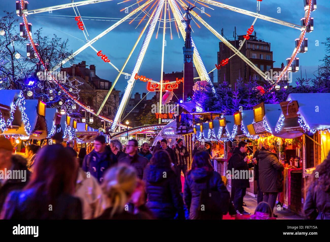 Weihnachten in Brüssel, Belgien, Weihnachtsmarkt auf dem Fisch ...