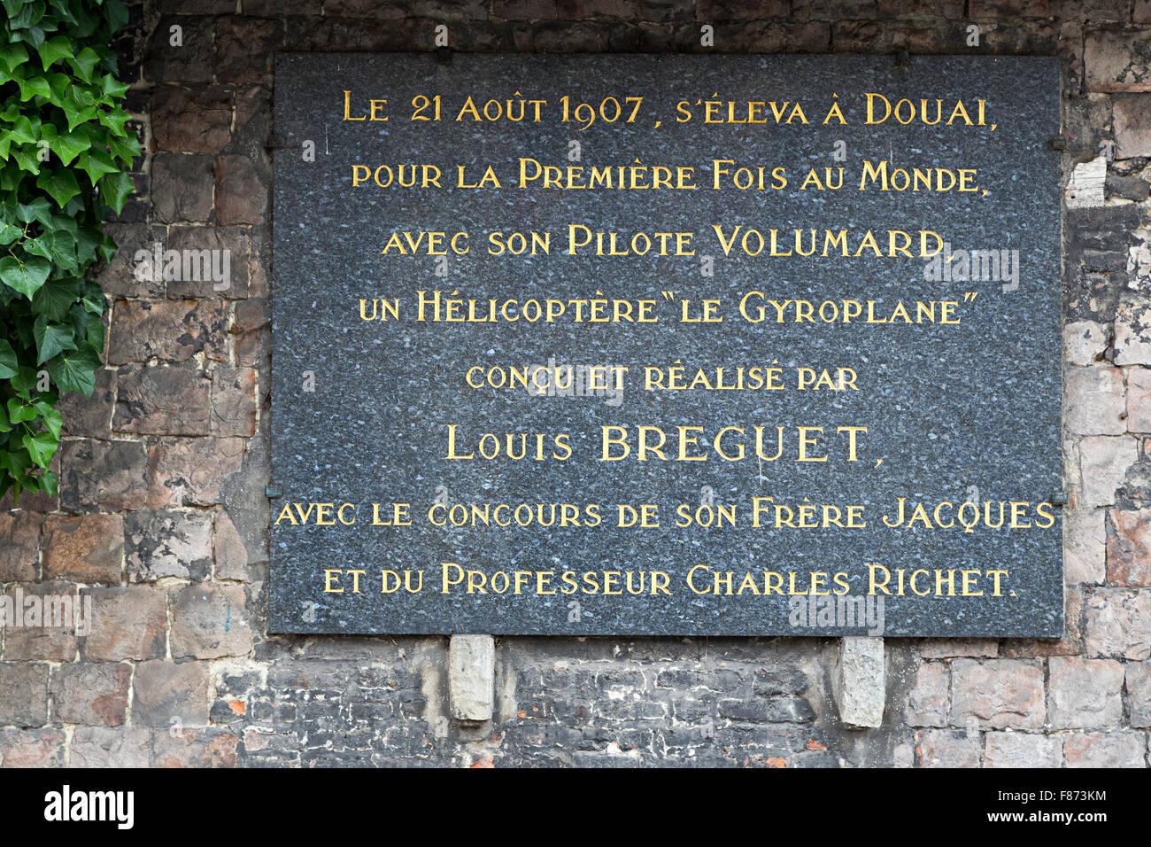 Louis Breguet Gedenktafel für Tragschrauber Erfindung, der Vorläufer des Hubschraubers in Douai, Nord Stockbild