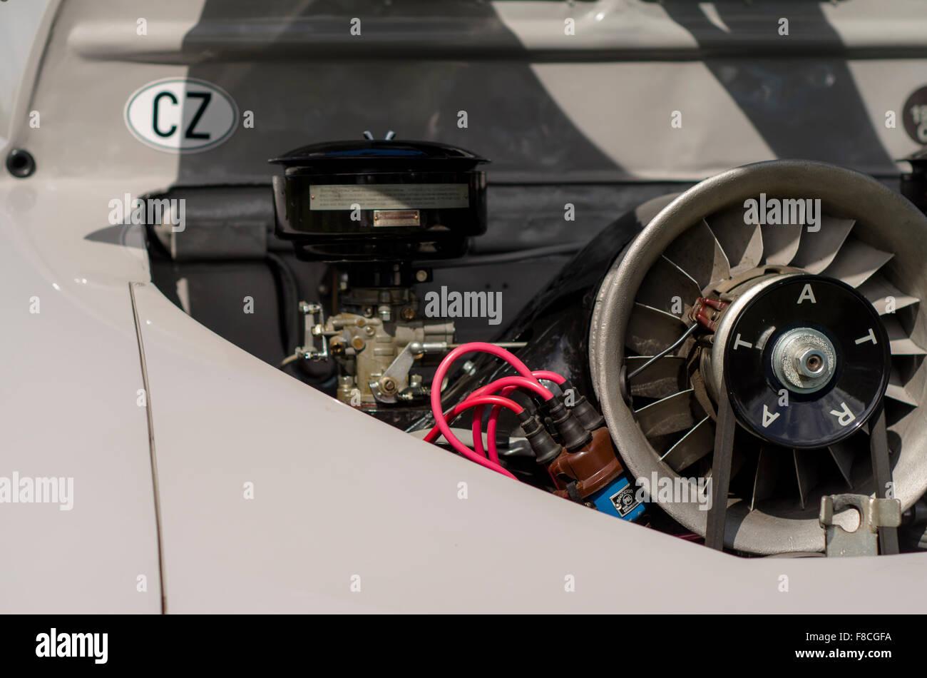 Motorraum des Tatra T600, Tschechische Oldtimer Stockfoto