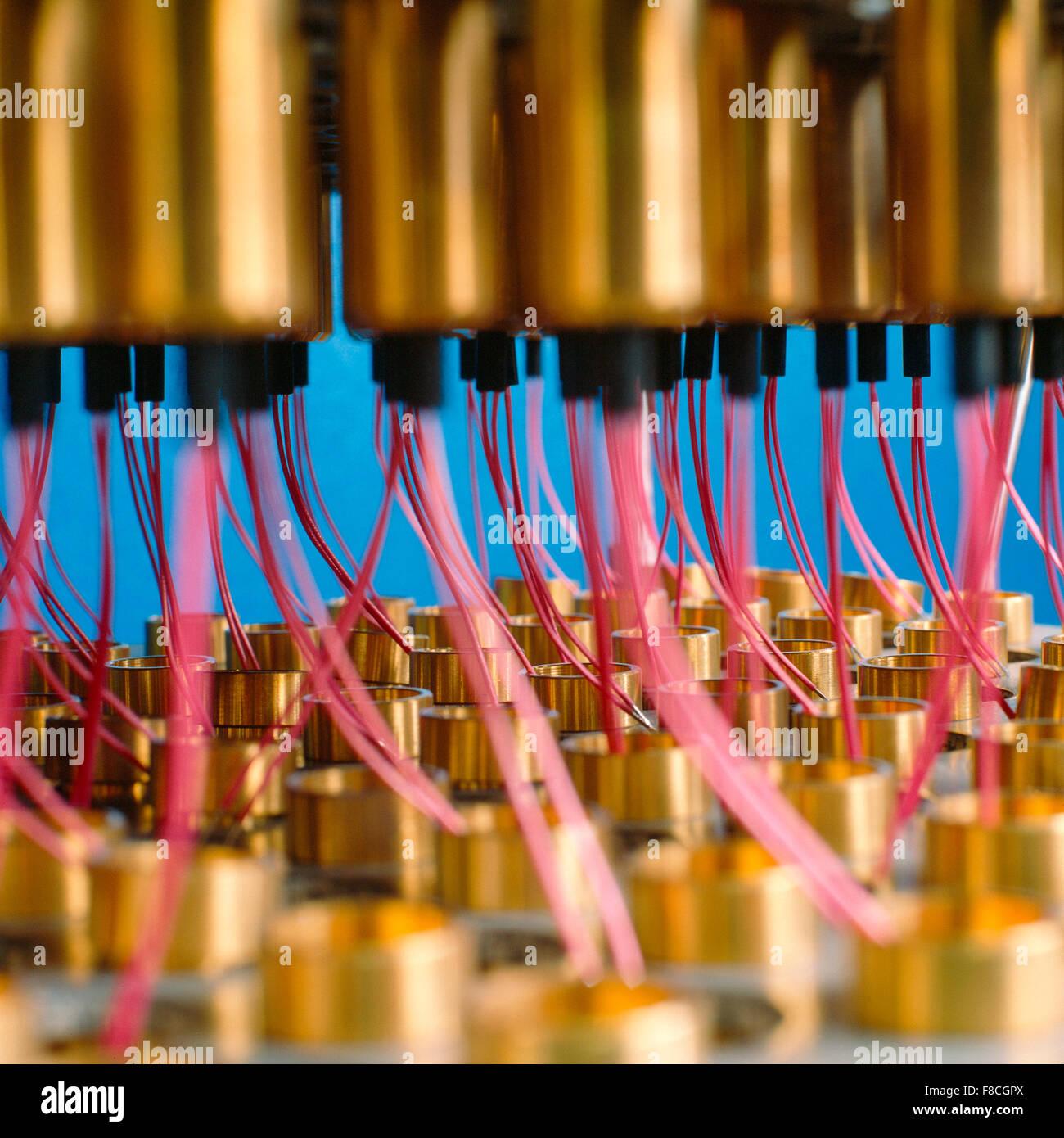 Elektronische Bauteile Auf Dem Pruefstand Stockbild