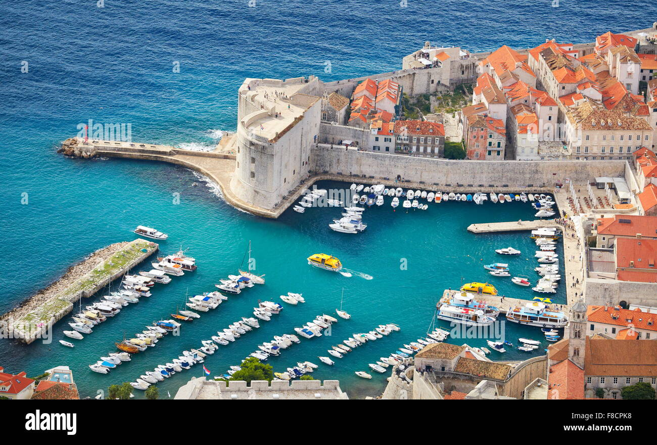 Luftbild der Altstadt und Hafen, Kroatien Dubrovnik Stockbild