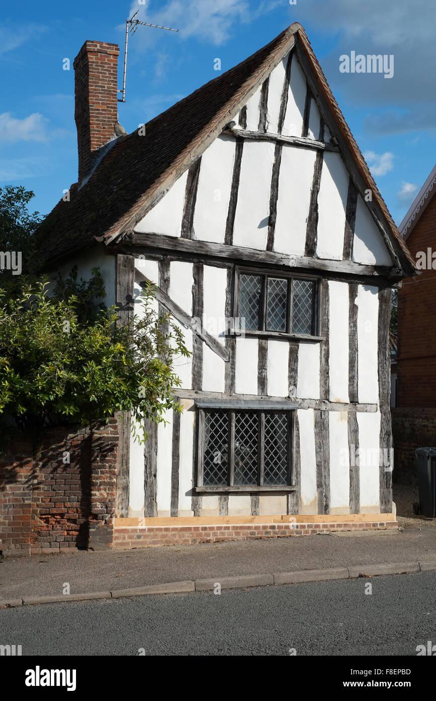 Schwarz / weiß Holz gerahmte Hütte in Lavenham Suffolk England ...