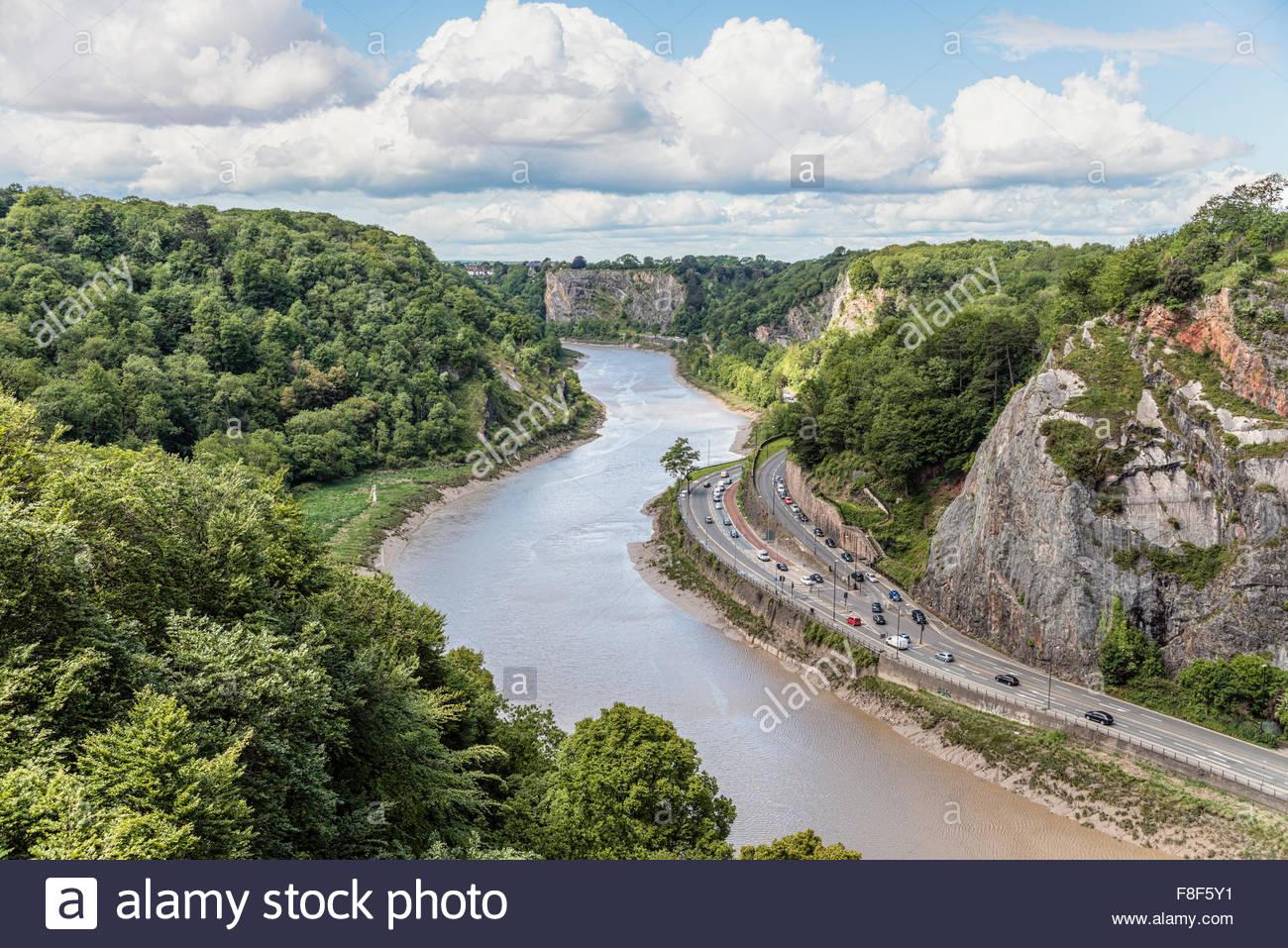 Blick von der Clifton Suspension Bridge in der Avon River Valley, Bristol, Somerset, England Stockbild