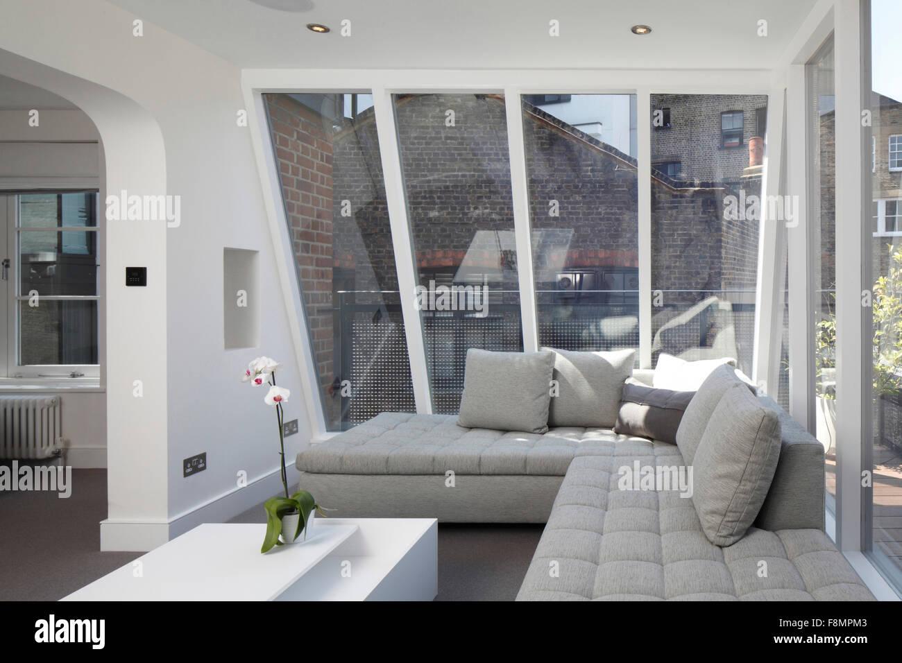sloping stockfotos sloping bilder alamy. Black Bedroom Furniture Sets. Home Design Ideas