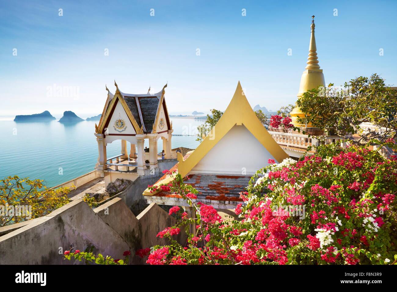 Thailand - kleine buddhistisches Kloster auf dem Berg Khao Chong Krachok befindet sich in der Nähe von Prachuap Stockbild