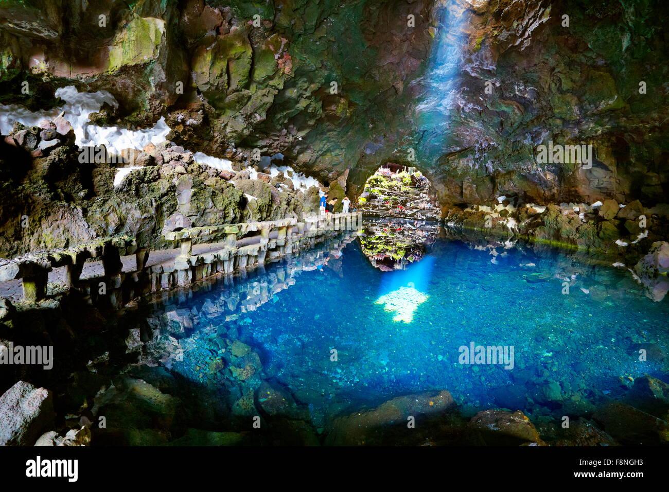 Insel Lanzarote, Jameos del Aqua, See in vulkanischen Höhle, Kanarische Inseln, Spanien Stockbild