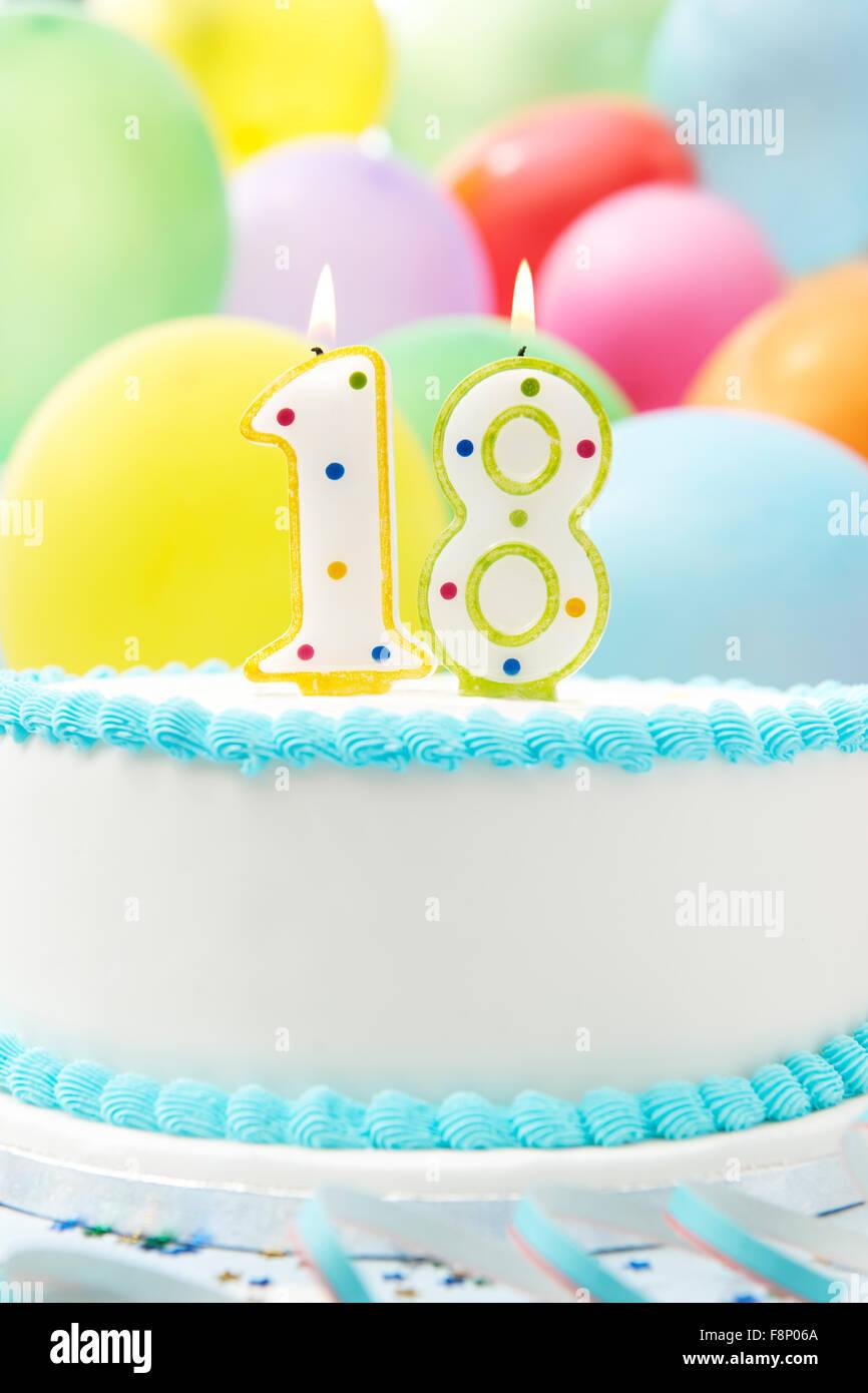 Feiert 18 Geburtstag Kuchen Stockfoto Bild 91452210 Alamy