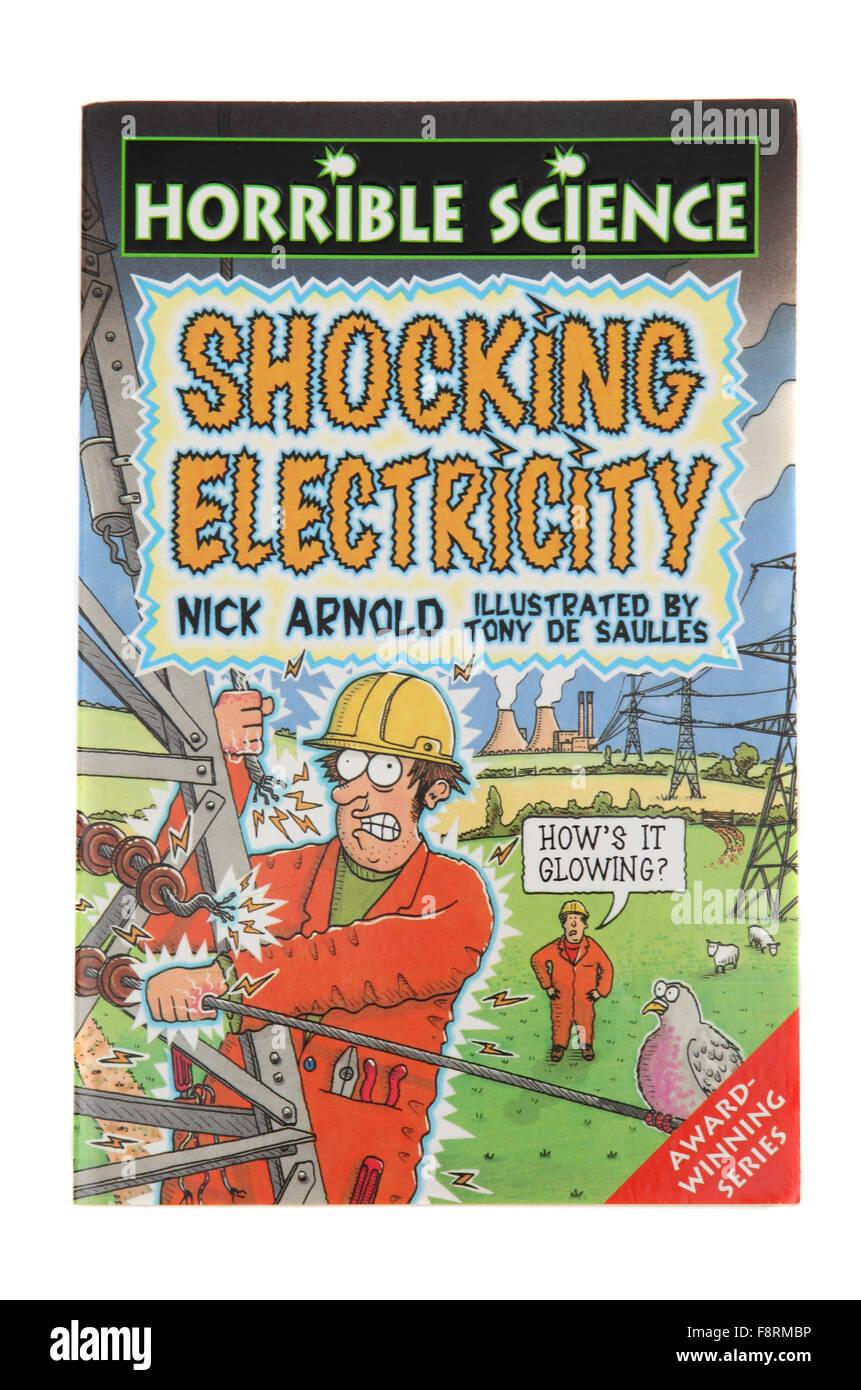 Das Buch Shocking Strom aus der schrecklichen Science-Serie von Nick Arnold. Stockbild