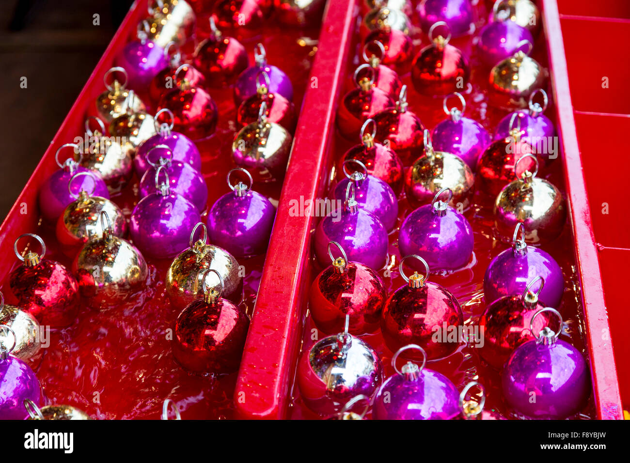 Weihnachtszeit in Brüssel, Belgien, Weihnachtsmärkte und Beleuchtung in der Altstadt, Stockfoto