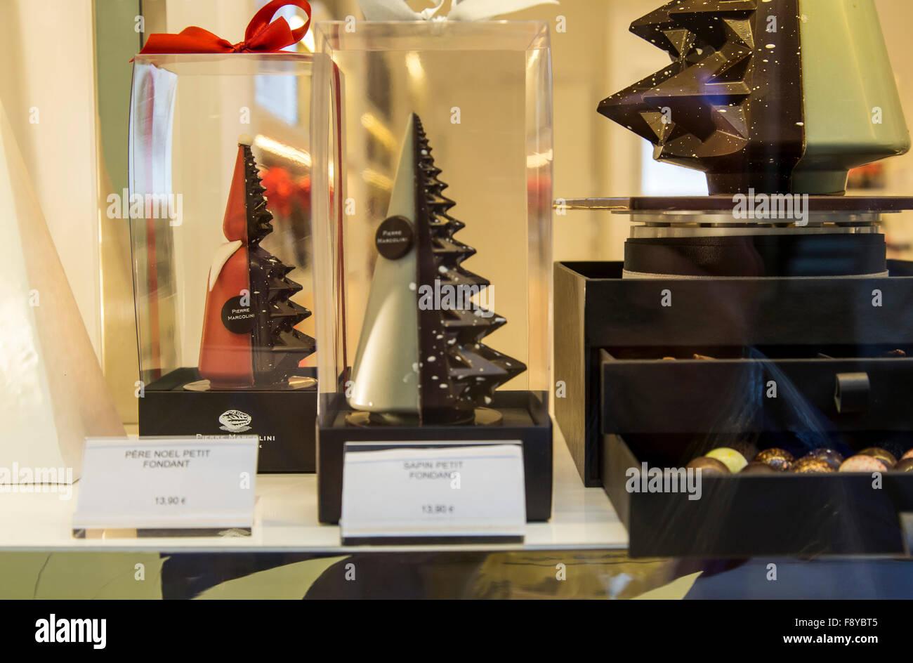 Weihnachtszeit in Brüssel, Patisserie Shop, Schokoladespezialitäten, in der Galerie De La Reine, Stockbild