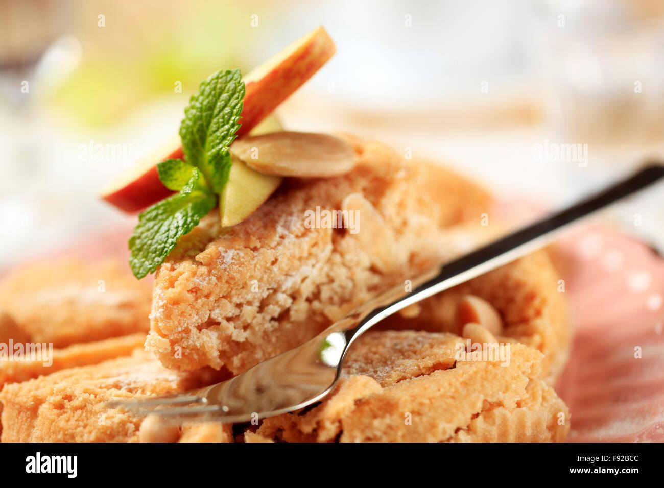 Frisch gebackene Kuchen Mandeln dessert Stockbild