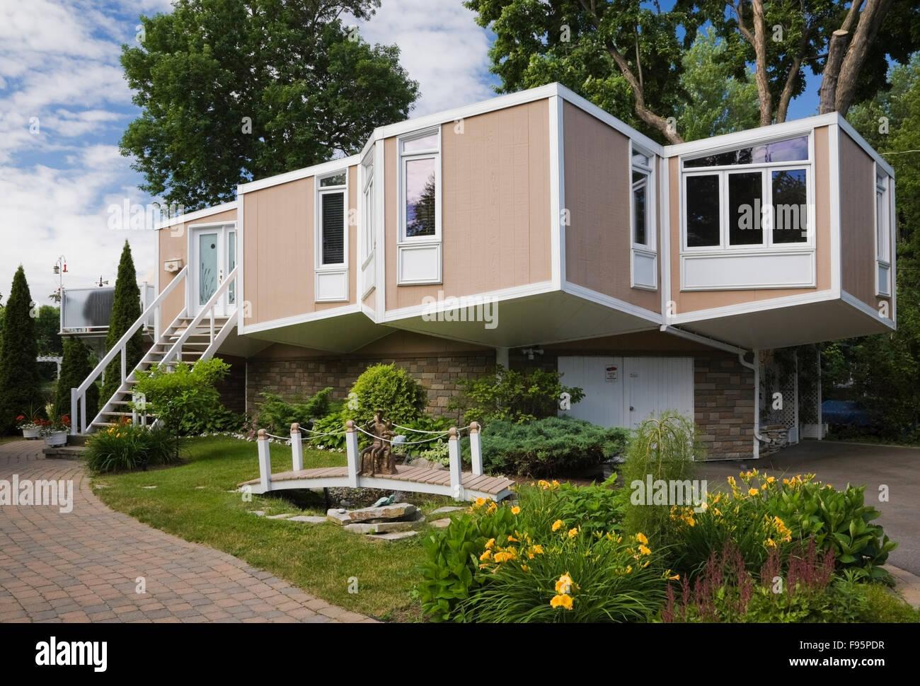 Cube House Stockfotos & Cube House Bilder - Alamy