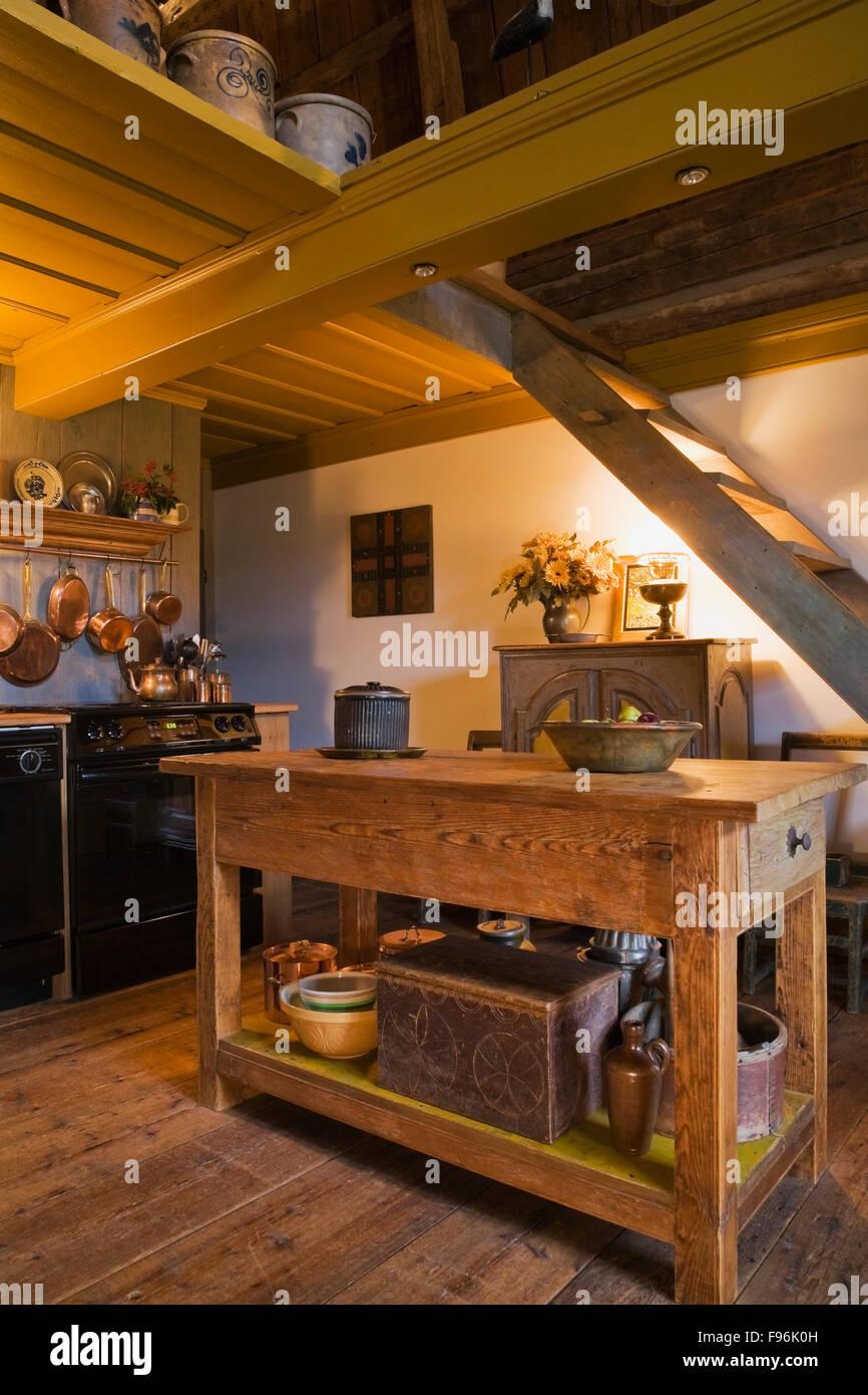 Quebec Küche | Kuche Mit Insel In Eine Alte 1752 Franzosischen Regime Cottage