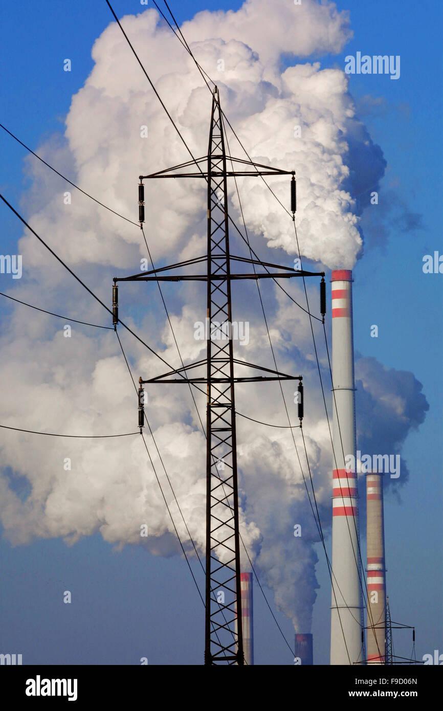 Strommast vor The Power Station Stockbild