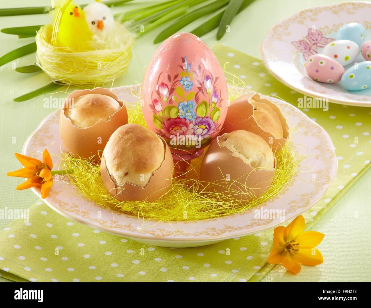 Kuchen In Eierschalen Stockfoto Bild 91959176 Alamy