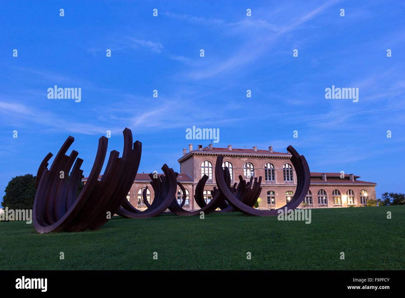 Universität Aix-Marseille in Frankreich am Morgen Stockbild