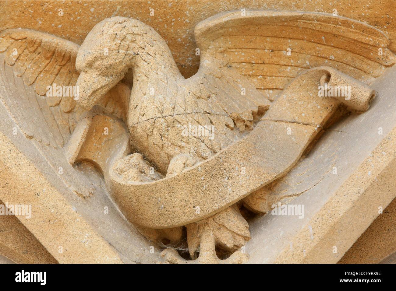 Symbolische Darstellung. Der Adler oder Intuition des Lichts. Portal der Jungfrau Maria. 13. Jahrhundert. Gothic. Stockbild