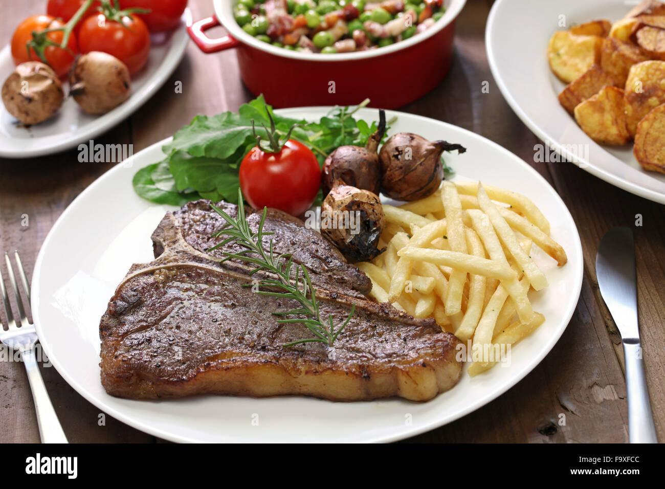 t-Bone Steak, Porterhouse-Steak, Bistecca Alla fiorentina Stockbild
