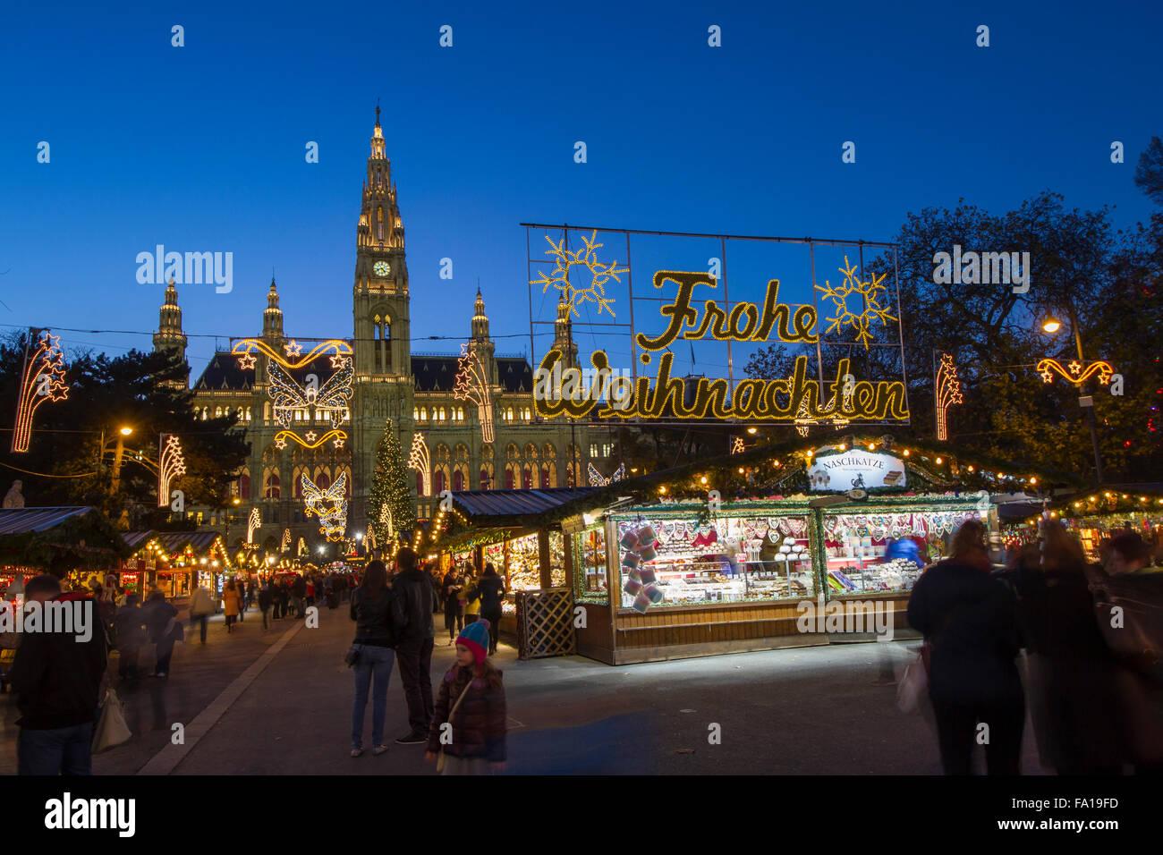 Stände Weihnachtsmarkt.Stände Weihnachtsmarkt Vor Dem Rathaus Rathausplatz Wien